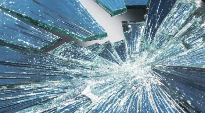 Проклетство разбијених огледала